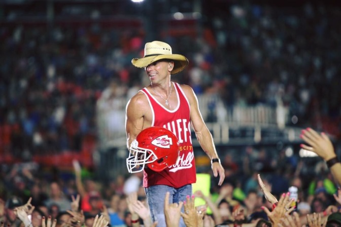 Kenny Chesney Announces 2017 Concert with Thomas Rhett and Old Dominion!